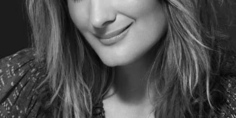 Global Makeup Artist Stila Bocorkan Rahasia Cantik Musim Liburan