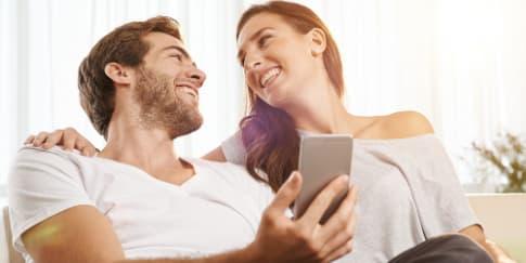 Sering Curhat di Sosial Media, Tanda Hubungan Hancur
