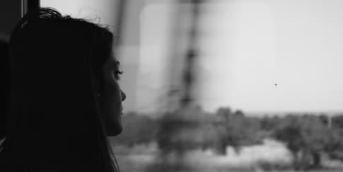 Kenali 5 Tahap Emosi dari Kehilangan