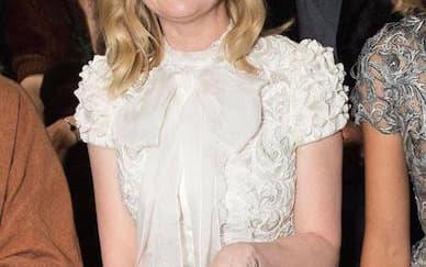 Kirsten Dunst Akhirnya Resmi Tunangan