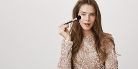 Kata Ahli, Hindari 5 Bahan Makeup Ini Bagi Kulit Berjerawat