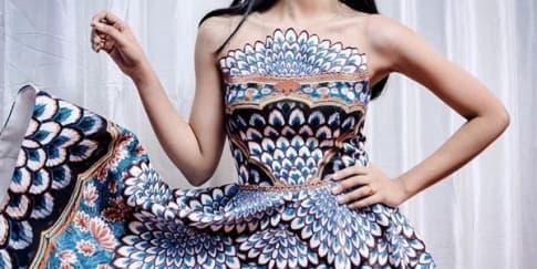 3 Gaya Maudy Ayunda Mengenakan Busana Desainer Lokal