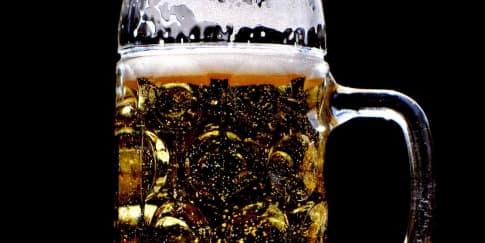 Waspada Konsumsi Minuman Beralkohol, Bisa Merusak Otak!