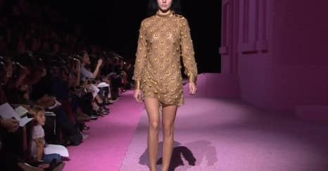 Kendall Jenner Merajai Fashion Week