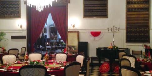 Restoran Oasis; Selipan Nostalgia dan Rasa Nusantara