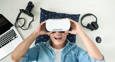 Cara Menghadapi Pasangan yang Asik dengan Gadget