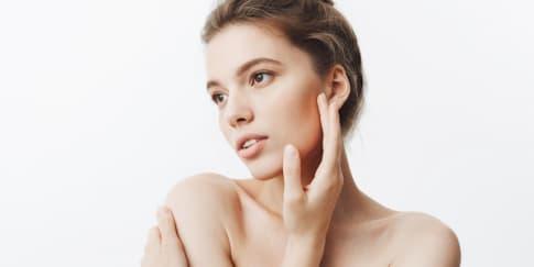 10 Skincare Lokal Untuk Kulit Berjerawat, Bikin Glowing!