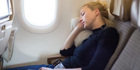 Cara Mengatasi Rasa Bosan Di Pesawat