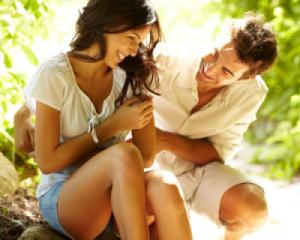 5 Teknik Flirting Yang Wajib Anda Kuasai