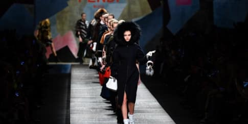 Warna Hitam Dominasi Koleksi Fendi Fall/Winter 2014