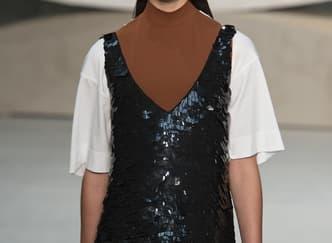 Rekomendasi Slip Dress yang Wajib Dibeli Bulan Ini