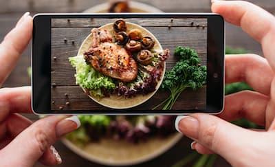 5 Food Youtuber yang Wajib Ditonton