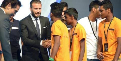 David Beckham Kunjungi Anak-Anak Berkebutuhan Khusus di Singapura