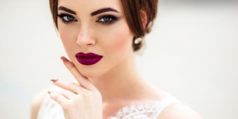 Tips Memakai Lipstik Warna Gelap Pada Hari Pernikahan