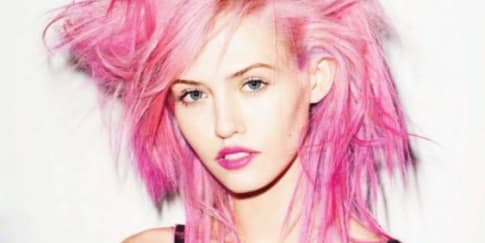 Langkah Mudah Warnai Rambut di Rumah