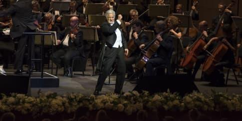 Pertunjukan Spektakuler Pertama di Dubai Opera