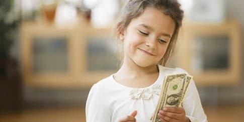 Masih Pantaskah Anda Menerima Uang Jajan?