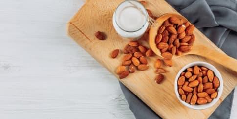5 Manfaat Mengonsumsi Susu Almond Bagi Kesehatan