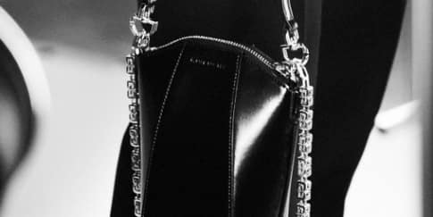 "Givenchy Luncurkan Koleksi ""The New Antigona"""