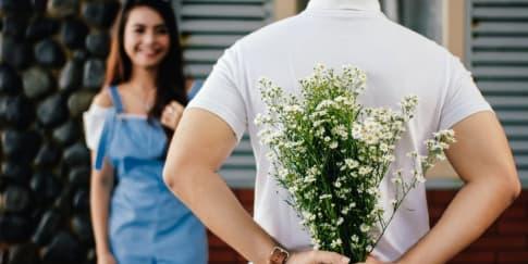 Begini Cara Pria Introvert Mencintaimu Yang Patut Diketahui