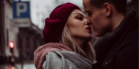 10 Manfaat Berciuman Untuk Kesehatan Yang Patut Diketahui