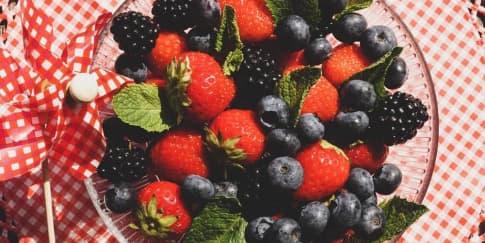 12 Makanan Kaya Antioksidan Untuk Menjaga Daya Tahan Tubuh