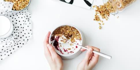 5 Manfaat Yoghurt Untuk Kesehatan Tubuh