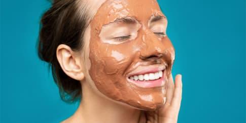 Tak Hanya Lezat, Ini Manfaat Cokelat Bagi Kulit Wajah