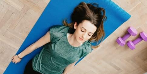 Ketahui Baik Dan Buruk Olahraga Malam Sebelum Tidur