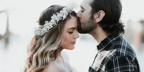 5 Tanda Pria Sungguh Mencintai Wanita