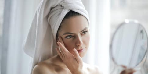 10 Cara Merawat Kulit Kombinasi Yang Bikin Wajah Glowing!