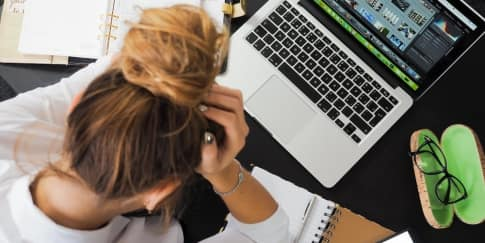 17 Tip Atasi Stres Saat Kerja Di Rumah Selama WFH