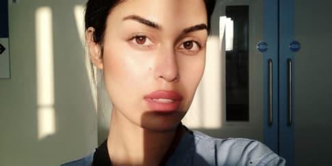 Lepas Mahkota, Ratu Kecantikan Jadi Dokter Relawan Corona