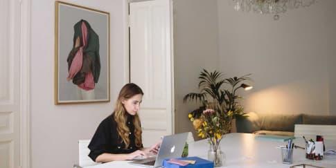 Mengatasi Stres Saat Work From Home