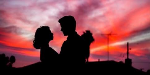 5 Tanda Pasangan Selingkuh dengan Rekan Kerja