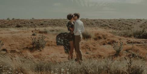 Tanda Wanita Takut Kehilangan Pria