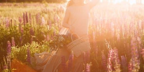 5 Rekomendasi Parfum Beraroma Bunga Musim Semi Yang Segar