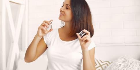 Rekomendasi 5 Aroma Parfum Wanita Yang Bikin Fokus Kerja