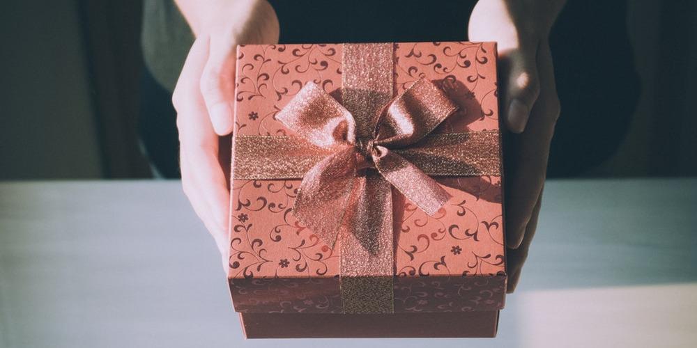 10 Kado Valentine Untuk Pria Tercinta