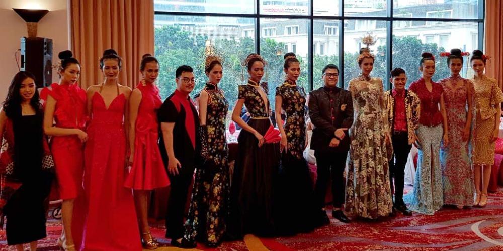 3 Desainer Indonesia Mengadakan Peragaan Busana Imlek
