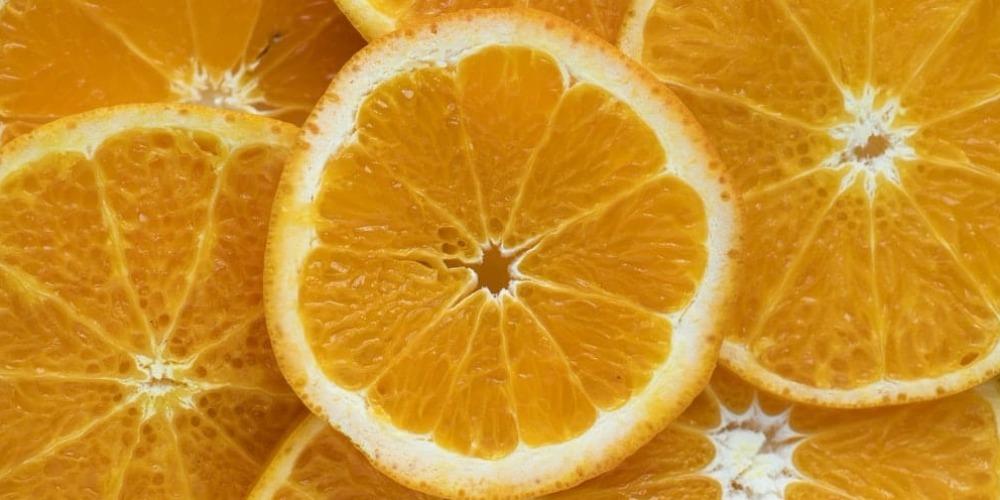 7 Rekomendasi Serum Vitamin C yang Wajib Dicoba
