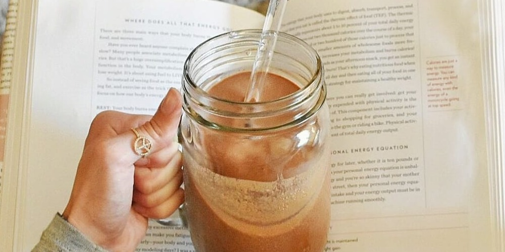 Cara Membuat Smoothies Rasa Pisang Cokelat