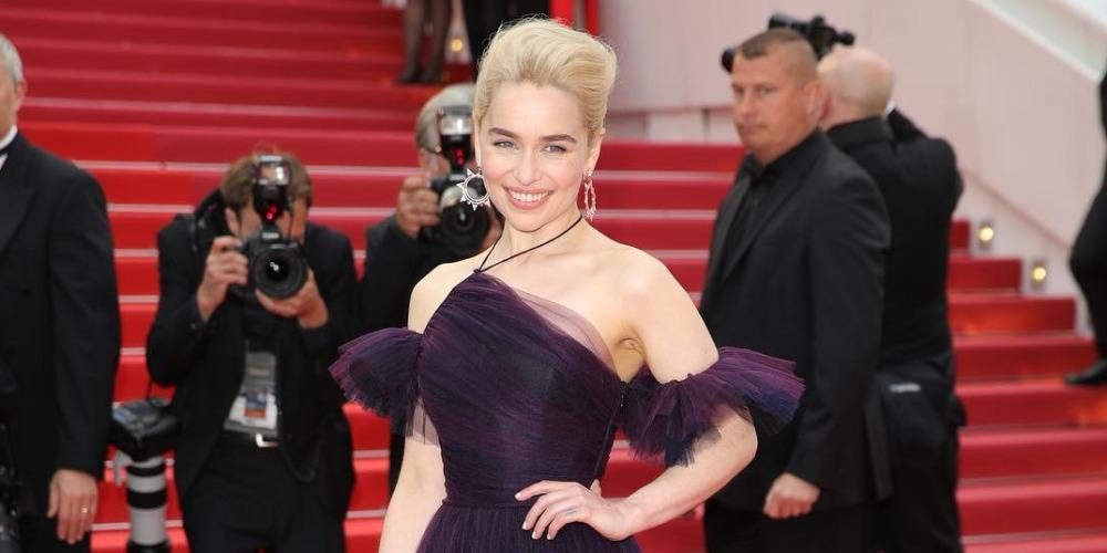 Intip Proses Pembuatan Gaun Yang Dipakai Emilia Clarke
