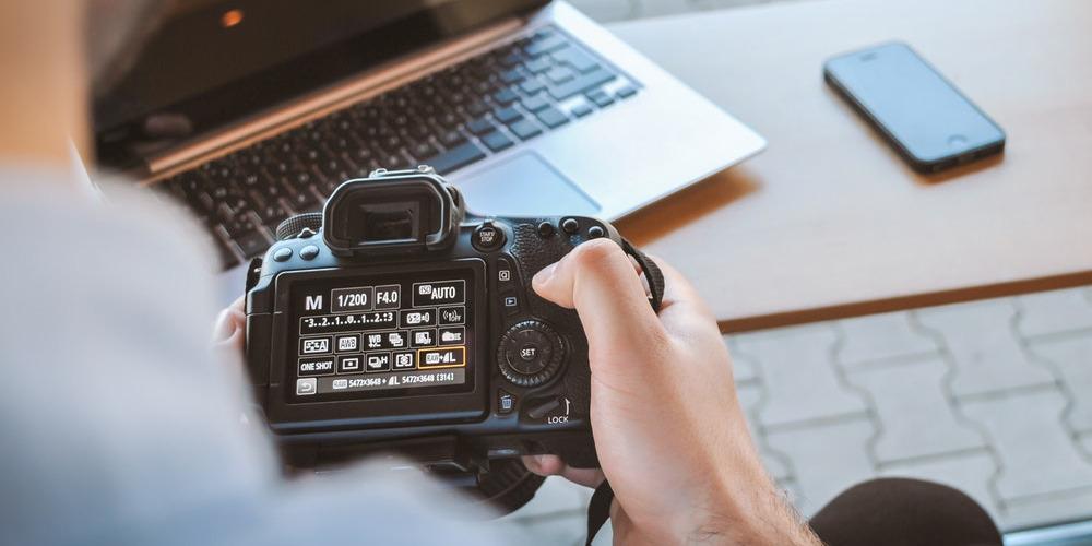 Keuntungan Menyewa Fotografer Pernikahan Profesional