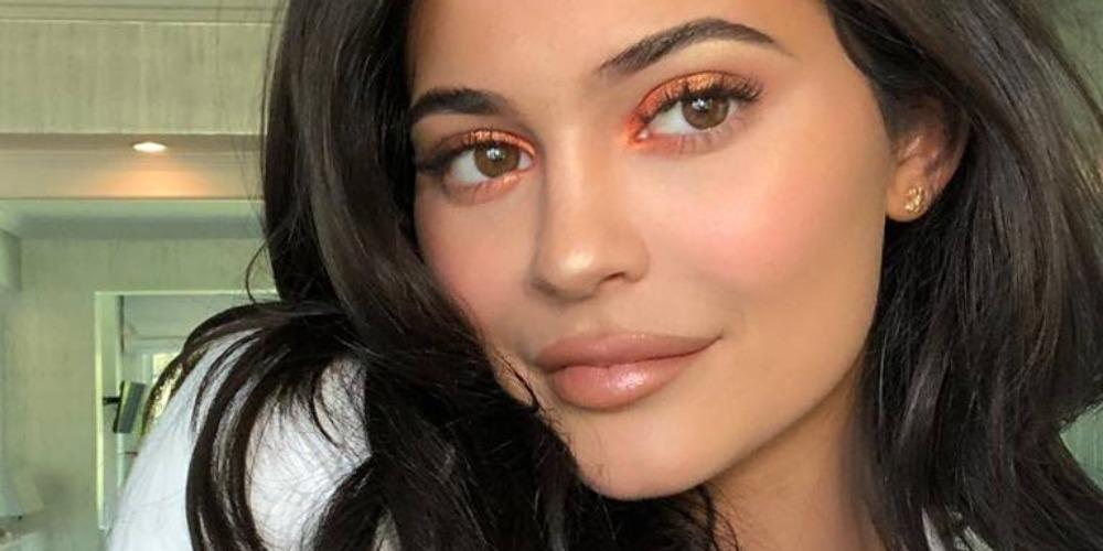 Kisah Sukses Kylie Jenner dan Lini Kosmetiknya
