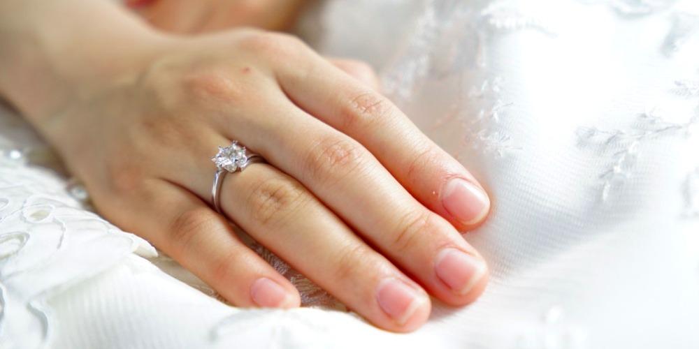 Lepas Cincin Pernikahan Saat Melakukan 5 Kegiatan Ini