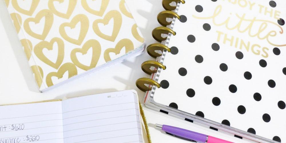 Manfaat Menyimpan Buku Harian Persiapan Pernikahan