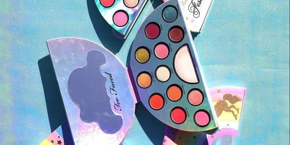 Palet Eyeshadow Berbentuk Pelangi Dari Too Faced