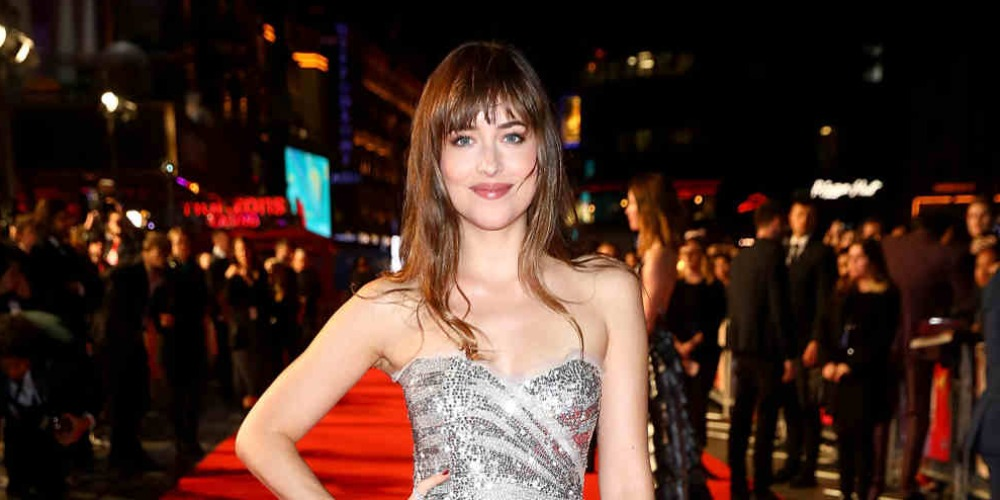 Spotted: Dakota Johnson Mengenakan Gucci