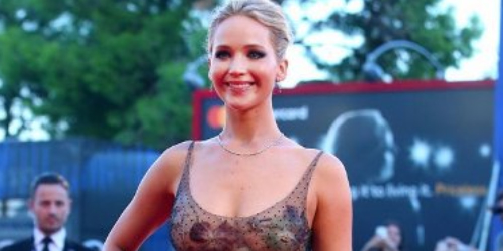 Spotted: Jennifer Lawrence Mengenakan Dior